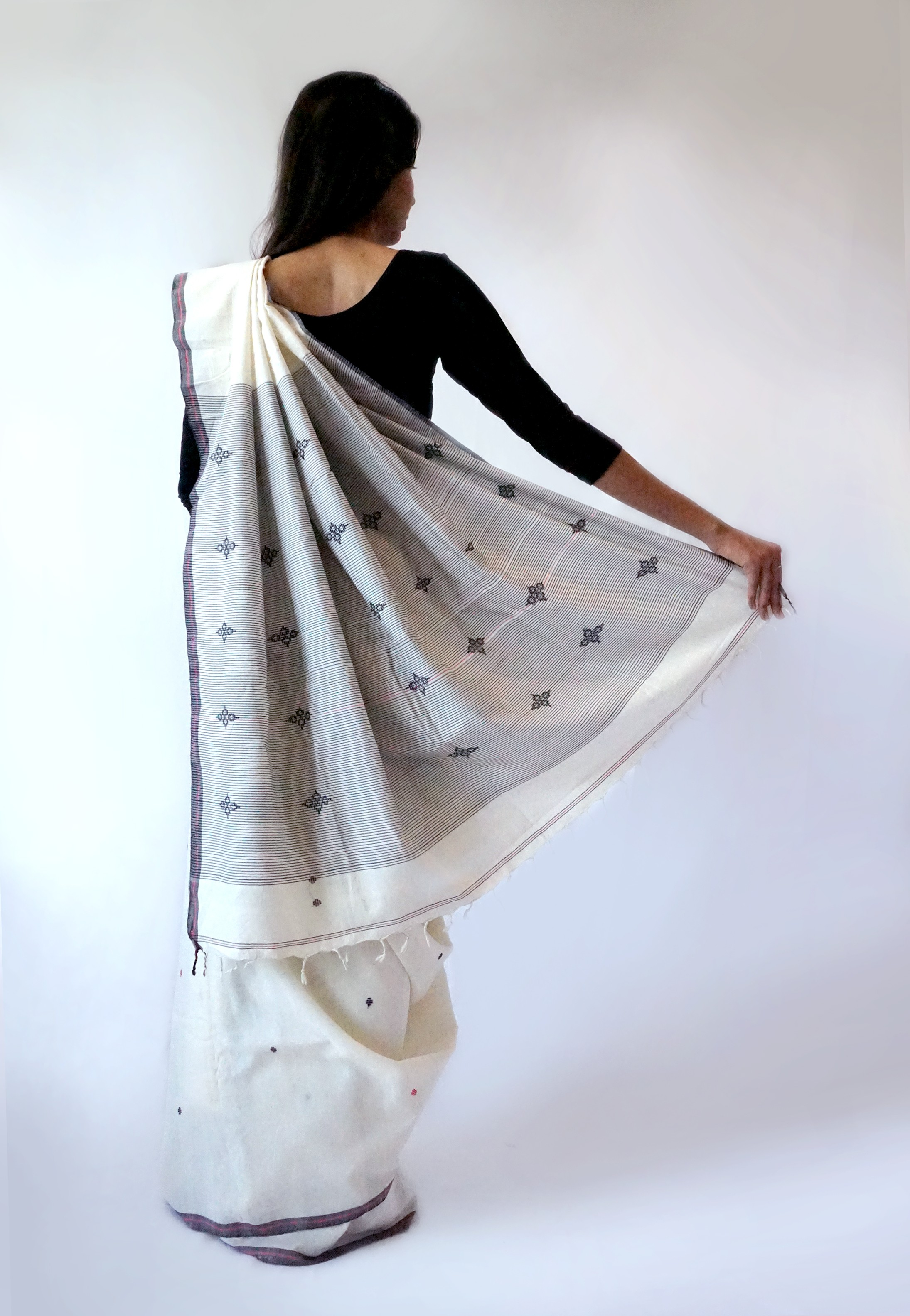 Flower Buti - Cotton Sari - Bavanbuti Handloom